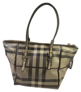 Burberry Tote in Brown