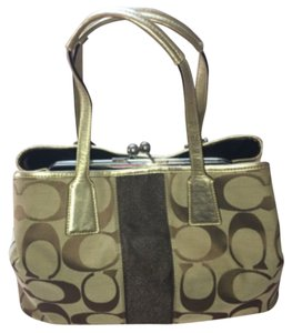 Coach Tote in Tan And Gold
