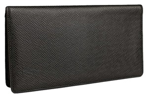 Louis Vuitton Louis Vuitton Black Taiga Checkbook Wallet.