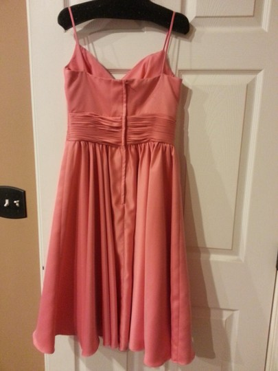 Me Too Coral Polyester Formal Bridesmaid/Mob Dress Size 6 (S) Image 1