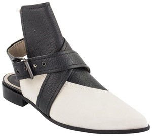 MCQ by Alexander McQueen Open Chic Sophisticated Made In Italy Stone/Black Boots