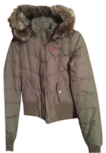 Hollister size small puffy jacket. Worn once Coat