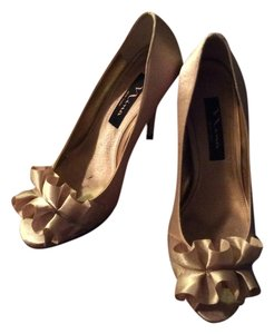 Nina Shoes Heels Satin Heels Gold Formal