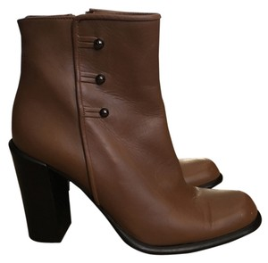 Via Spiga Heal Leather Carmel, Brown Boots