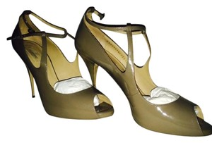 Valentino Modern Peep Toe Patent Leather Patent Leather Strap Classy New Never Worn Taupe Pumps