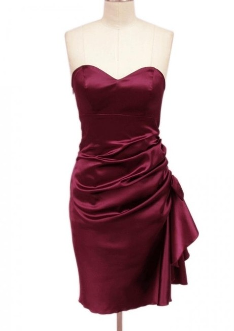 Red Burgundy Strapless Bunched Bow Satin Short Formal Dress Size 4 (S) Red Burgundy Strapless Bunched Bow Satin Short Formal Dress Size 4 (S) Image 1