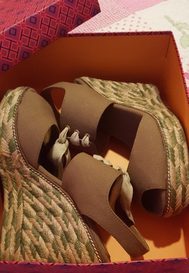 Tory Burch Light brown and Olive Wedges Image 4