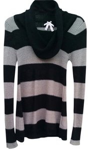 Derek Heart Striped Sweater