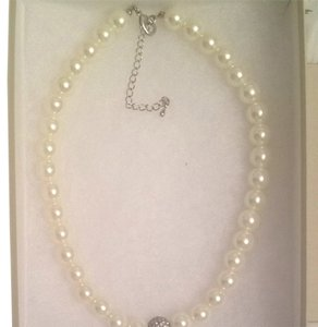 Banana Republic Pearl Necklace
