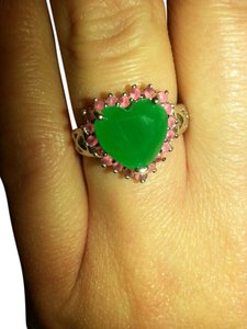 9.2.5 rare natural emerald and rubys heart cocktail ring. Size 8