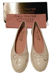 Paul Mayer Bravo Cap Toe Design Padded Footbed Comfortable Made In Spain White Flats