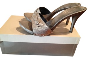 Charles David Hardware Metallic Silver Pumps