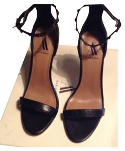 Ava & Aiden Black Pumps