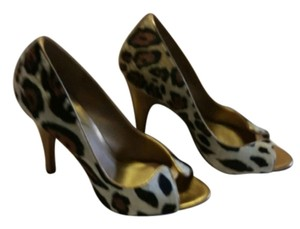Carlos by Carlos Santana Tan, brown and black animal print Pumps