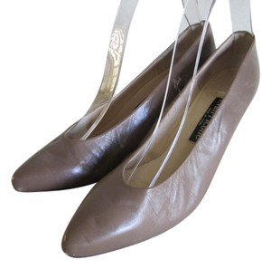 Evan Picone Leather Lined Leather Soles Leather Uppers TAUPE Pumps