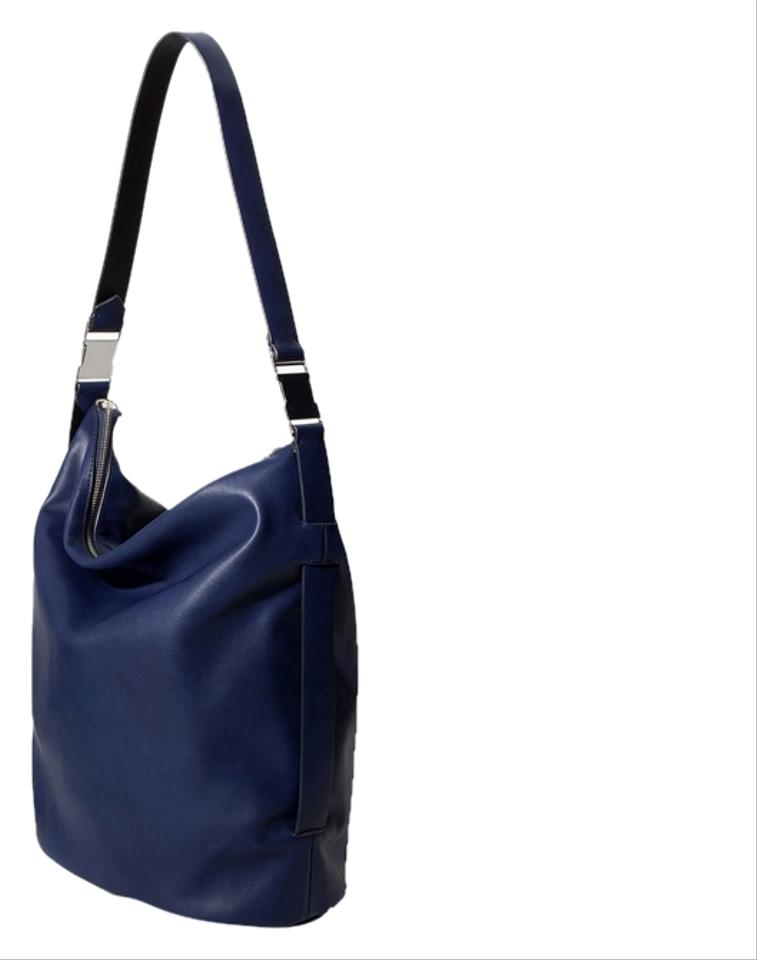 Shop navy hobo bags from Dooney & Bourke, Gucci, Louis Vuitton and from dnxvvyut.ml, Bloomingdale's, Macy's and many more. Find thousands of new high fashion items in one place.