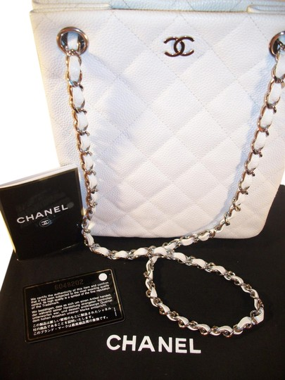 Preload https://item4.tradesy.com/images/chanel-new-quilted-chain-link-white-leather-shoulder-bag-1232503-0-0.jpg?width=440&height=440