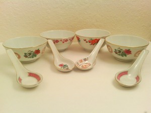 Mixed Lot 4 Pc. Modern Chinese Rice Or Soup Bowls With Spoons