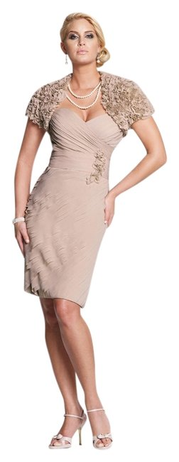 Item - Champagne New 113846 Knee Length Cocktail Dress Size 8 (M)
