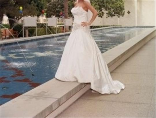 St. Pucchi Off White Silk with Swarovski Crystals All On The Bottom Of The Formal Wedding Dress Size 6 (S)