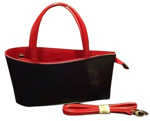 Daniela Moda Satchel in Black/Red