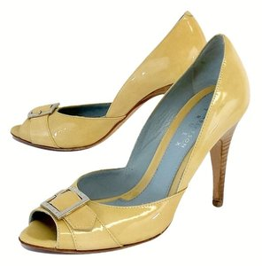 Lambertson Truex Still De Grain Yellow Heels Pumps