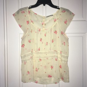Abercrombie & Fitch Top Cream w/pink flowers