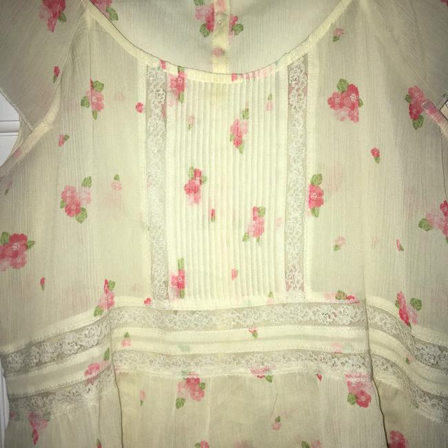Abercrombie & Fitch Top Cream w/pink flowers Image 1