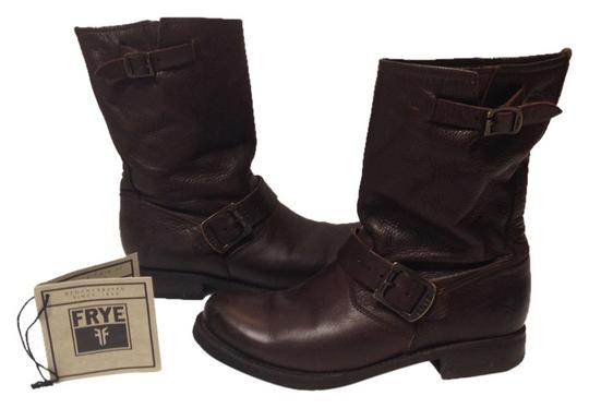 Preload https://item4.tradesy.com/images/frye-leather-boot-veronica-dark-brown-boots-1233963-0-0.jpg?width=440&height=440