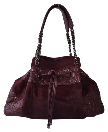 Preload https://item4.tradesy.com/images/chanel-drawstring-quilted-leather-burgundy-pony-hair-and-calfskin-tote-1233973-0-2.jpg?width=440&height=440