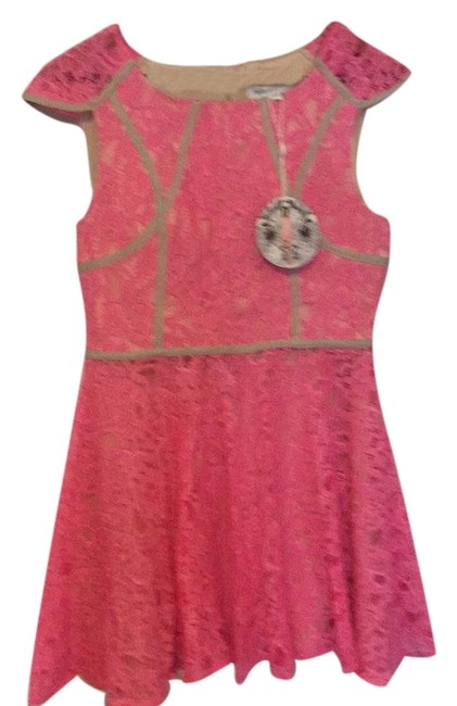Preload https://img-static.tradesy.com/item/12340429/finders-keepers-above-knee-cocktail-dress-size-12-l-0-1-650-650.jpg