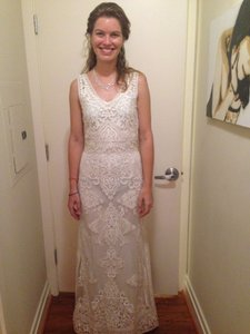 BHLDN Ivory Nylon Tulle with Embroidery Alhambra Traditional Wedding Dress Size 6 (S)