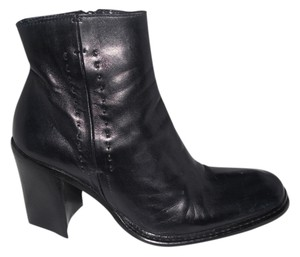 CoSTUME NATIONAL Leather Ankle Black Boots