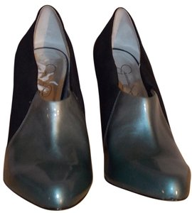 Jessica Simpson Black/Bluegreen Pumps