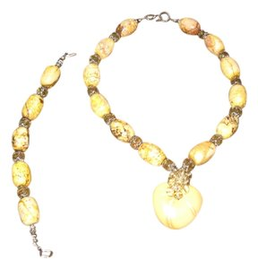 Tammy O. Yellow quartz necklace and bracelet