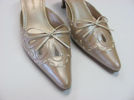 Liz Claiborne Size 7.00 M (Usa) Leather Very Good Condition Neutral Mules Image 3