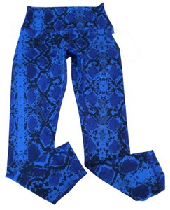 Lululemon New With Tags Lululemon High Times Pant Minz Sapphire Blue Snake Pattern Size 6