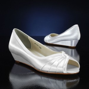 Touch Ups Dyeable - White Wedge Size US 9.5 Regular (M, B)