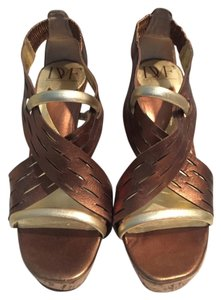 Diane von Furstenberg Bronze and Gold with Cork Heel Pumps