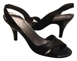 Kenneth Cole Reaction Pumps
