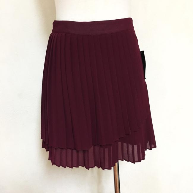 Preload https://item4.tradesy.com/images/andree-high-waisted-pleated-layer-size-4-s-27-1236368-0-1.jpg?width=400&height=650