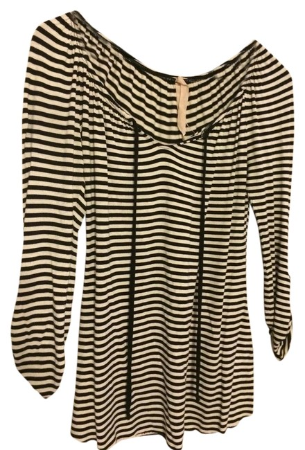 Preload https://item1.tradesy.com/images/bailey-44-fall-longsleeve-cotton-top-black-and-white-1236450-0-0.jpg?width=400&height=650