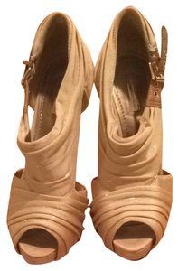 Report Signature Gold And Tan Pumps