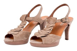 Paul Green Taupe Pumps