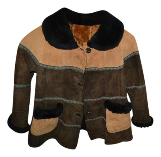 Preload https://img-static.tradesy.com/item/12365368/brown-and-beige-shearling-hat-coat-size-4-s-0-1-650-650.jpg