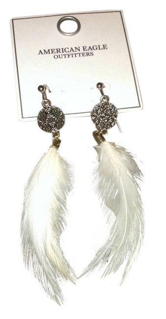 Item - Gold/White Feather Earrings