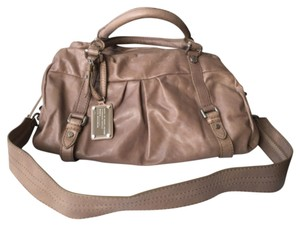 Marc by Marc Jacobs Satchel in Beige