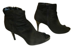 City Streets Black Pumps