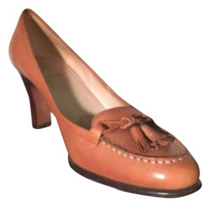 Circa Joan & David Brown, Cognac Pumps