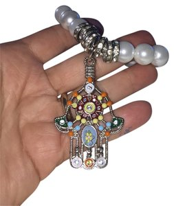 Lei Design Hamsa And Pearls